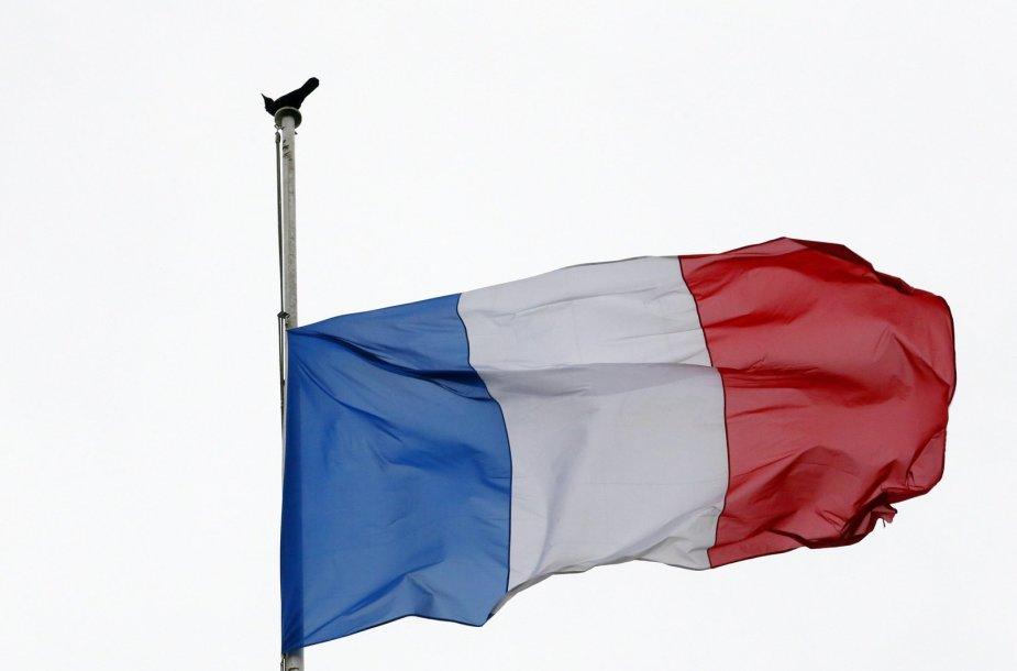 Pusiau nuleista Prancūzijos vėliava