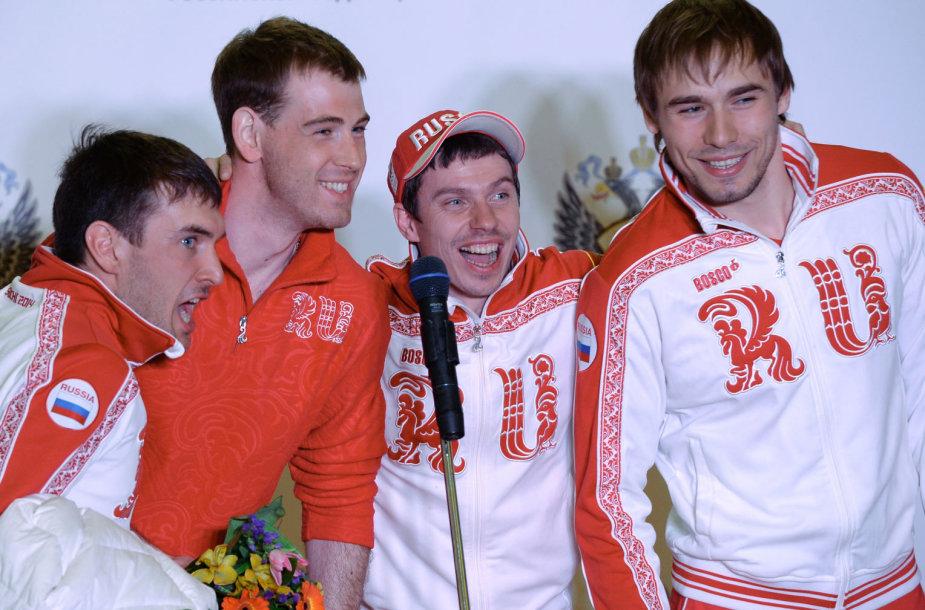 Rusijos biatlonininkai, triumfavę Sočio olimpinių žaidynių estafetėje, galėjo būti pridengiami Tarptautinės biatlono federacijos.