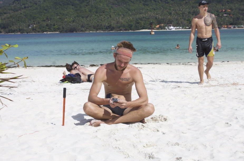 Atradome kitoje Koh Pangan salos pusėje laukinį paplūdimį