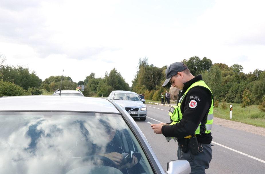 Klaipėdos pareigūnai reido metu patikrino šimtus transporto priemonių.