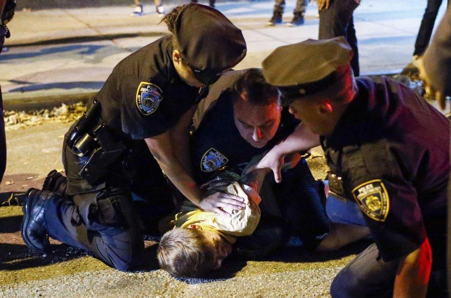 JAV pareigūnai Fergusone sulaiko įtariamąjį