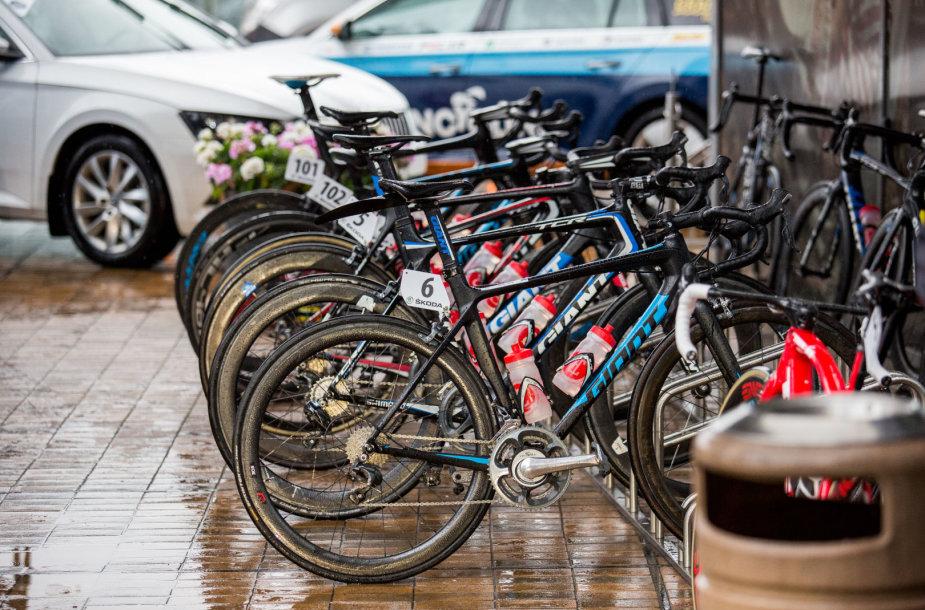 """Tarptautinių daugiadienių dviračių lenktynių """"Baltic Chain Tour"""" startas"""