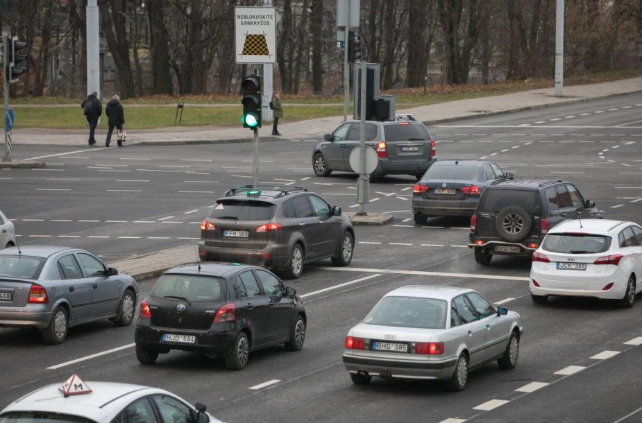 Viena judriausių – Kalvarijų – Kareivių – Ozo gatvių – Vilniuje sankryžų artimiausiu metu taps kur kas saugesnė.