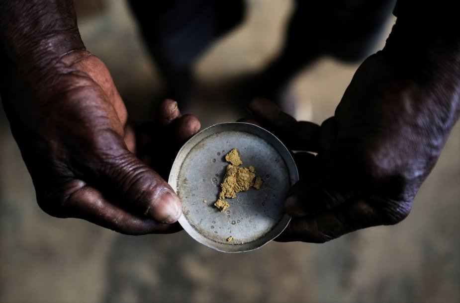 Per mėnesį tokioje nelegalioje kasykloje iškasama apie 60 kg aukso