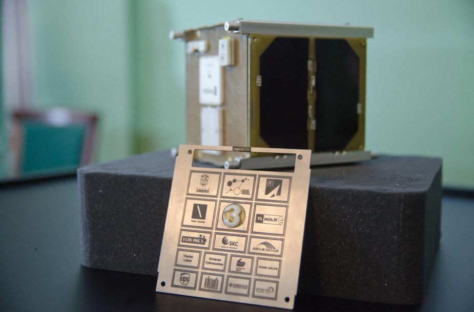"""Palydovo """"LitSat-1"""" išlydėtuvių į Hjustoną akimirka"""