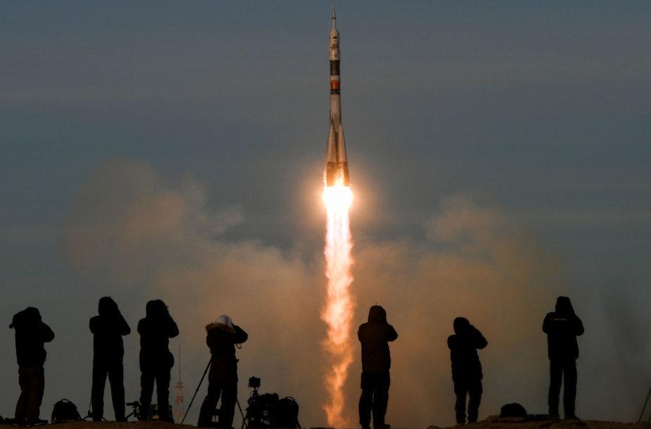 """Sėkmingas raketos """"Sojuz"""" startas"""