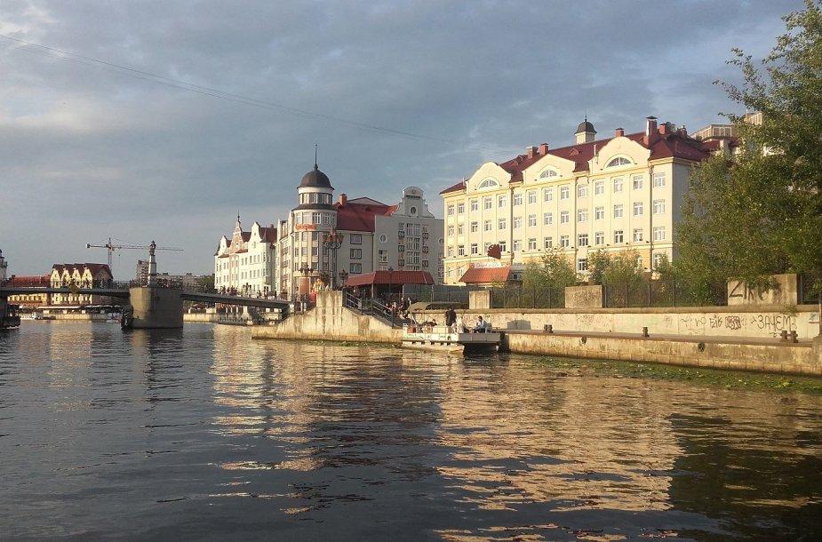Karaliaučiaus vaizdai plaukiant laivu Piegliaus upe
