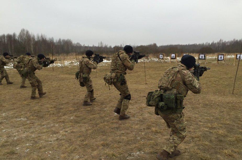 Lietuvos ir Danijos kariai įgūdžius lavina žvalgybos padalinių pratybose