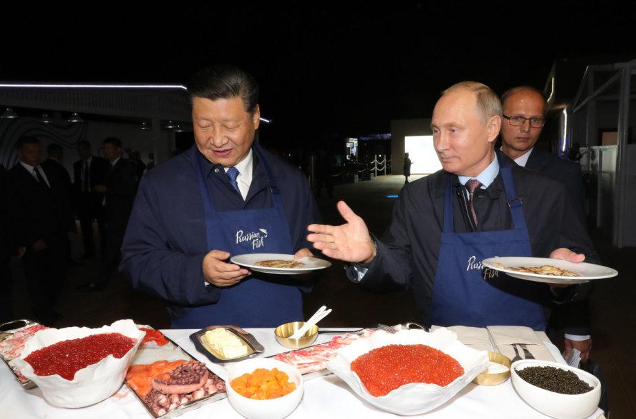 Xi Jinpingas ir Vladimiras Putinas išsikepė blynų