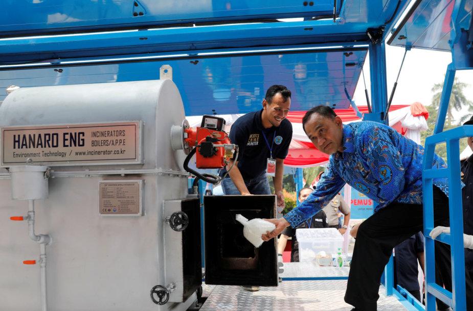 Indonezijoje sunaikinta daugiau nei 2 tonos kristalinio metamfetamino