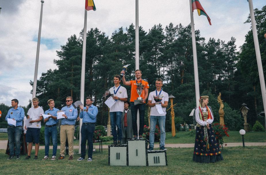 Ant garbės pakylos varžybose užkopė ir lietuviai: Joris Vainius bei Ignas Bitinaitis.