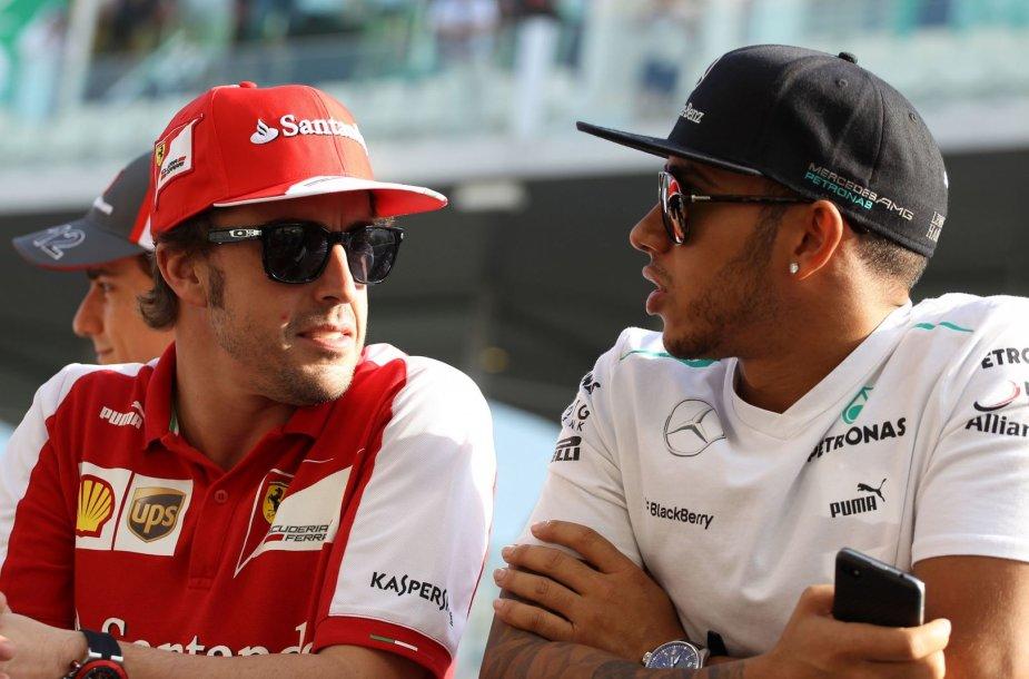 Iš kairės: Fernando Alonso ir Lewisas Hamiltonas
