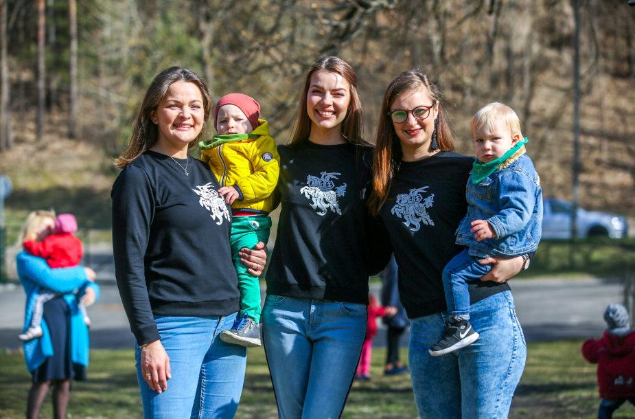 """Renginys Vilniaus sutrikusio vystymosi kūdikių namuose-pagalbos centre """"Šeimos slėnis"""""""