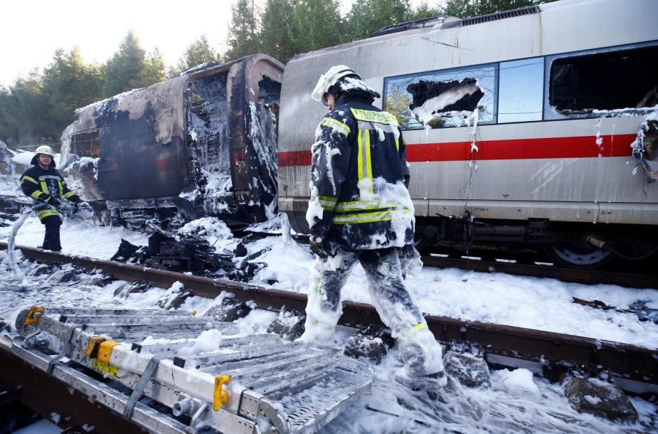 Vokietijoje užsidegė traukinys