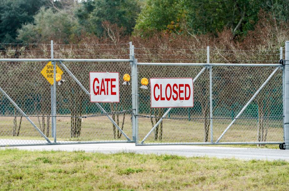 Šaudynės įvyko Floridoje esančioje Pensakolos karinio laivyno aviacijos stotyje.