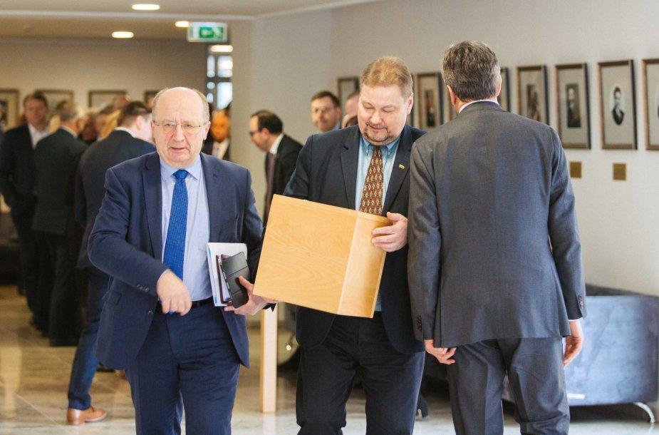 Seimas balsuoja dėl M.Basčio mandato panaikinimo