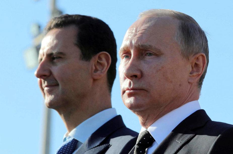 Basharas al Assadas ir Vladimiras Putinas Hmeimimo bazėje Latakijoje