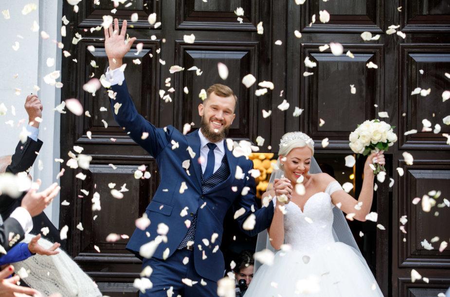 Simo Buterlevičiaus ir Gretos Milerytės vestuvių akimirka