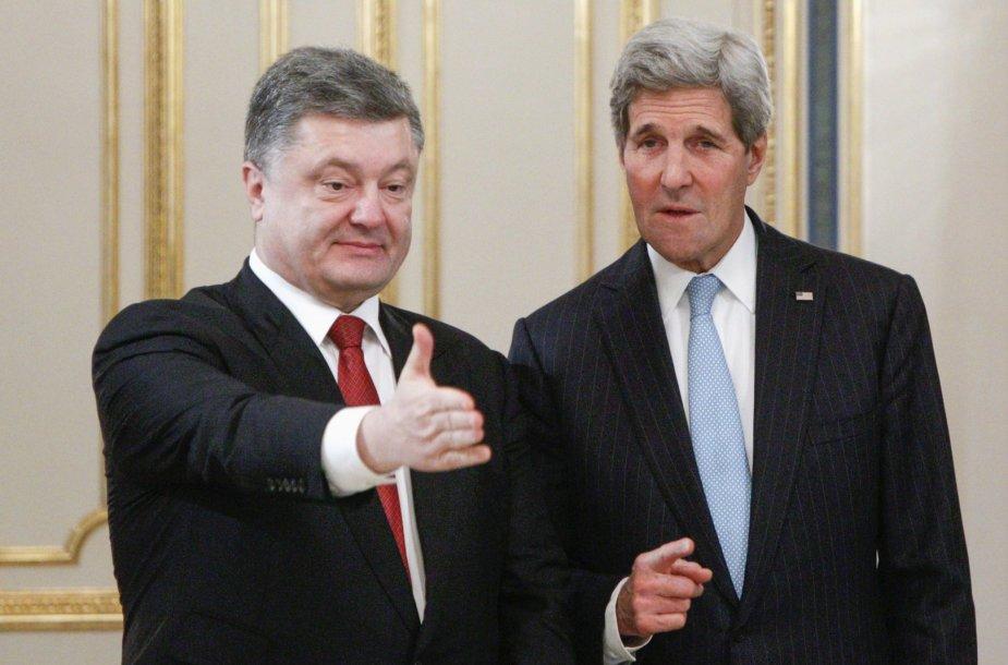 JAV sekretorius Johnas Kerry ir Ukrainos prezidentas Petro Porošenka