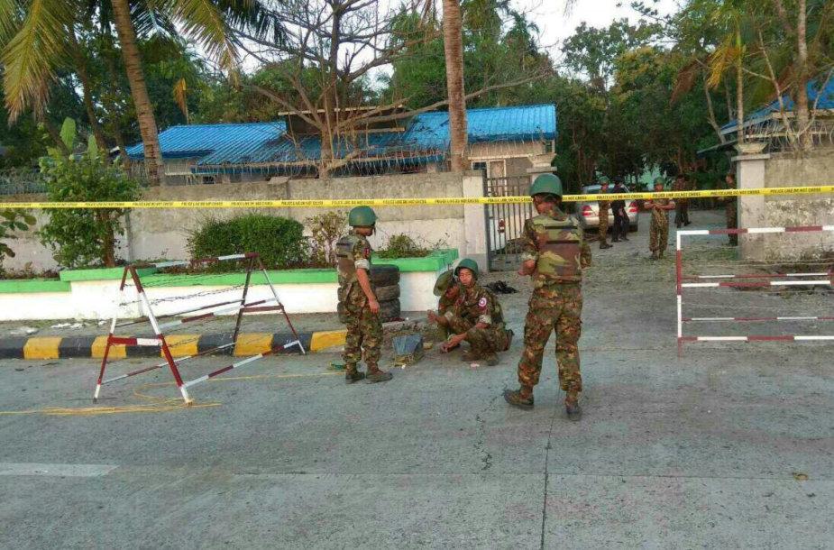 Mianmaro Rachinų valstijos sostinėje nugriaudėjo trys sprogimai