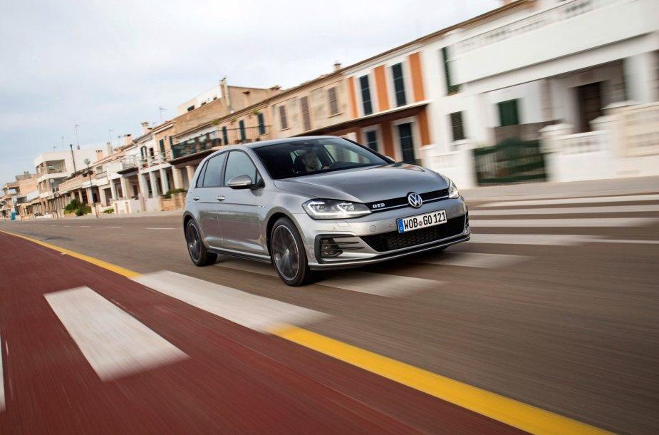 """Europoje pirmauja """"Volkswagen"""", populiariausias modelis – """"Golf"""""""