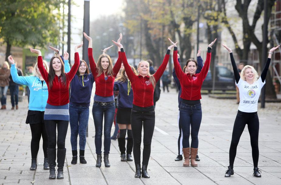 """""""Flash mob"""" akcija Laisvės alėjoje"""
