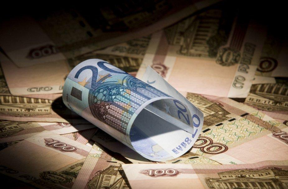 Rusijos rubliai ir 20 eurų