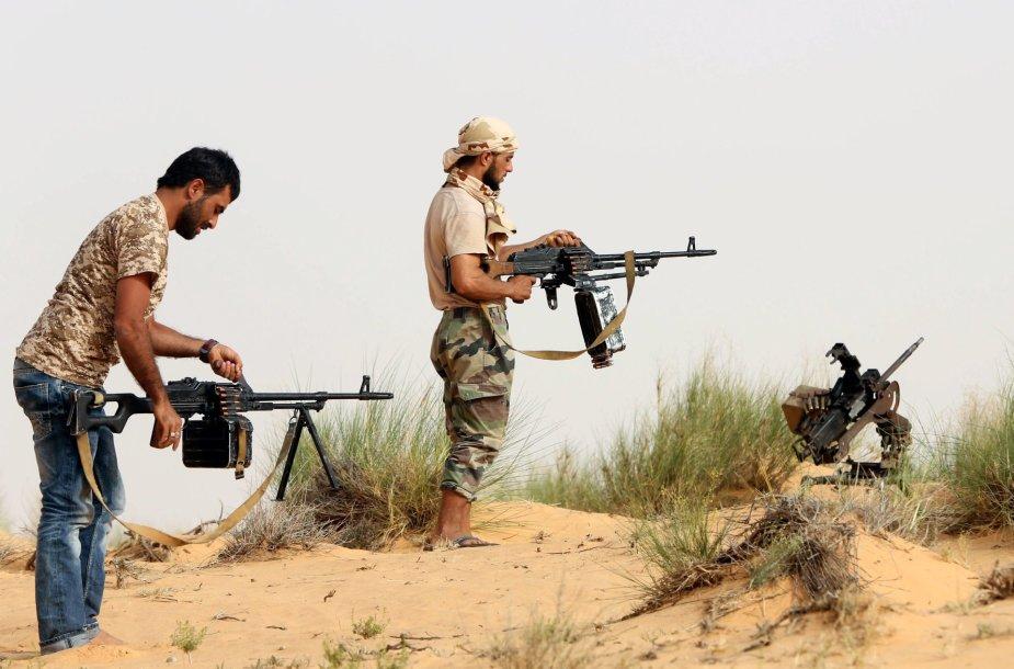 Po Muamaro Kadhafi nuvertimo šalyje dėl valdžios kovoja įvairios grupuotės.