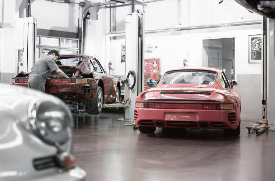 """""""Porsche"""" centras Vilniuje"""