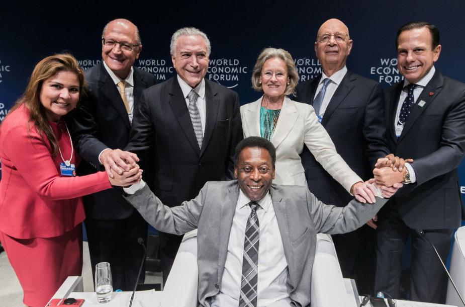 Futbolo legenda Pele Pasaulio Ekonomikos forume San Paule.