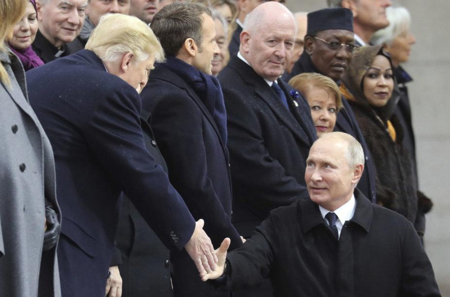 Kaip įprasta, Vladimiras Putinas vėlavo.