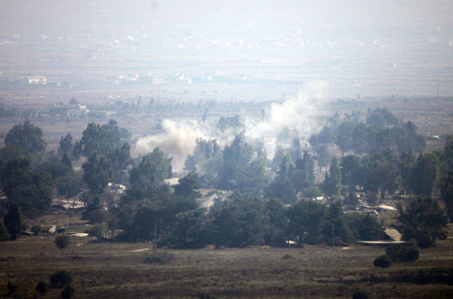 """Golando aukštumose Sirijos kariuomenė kovoja su """"Al Qaeda"""" teroristais"""