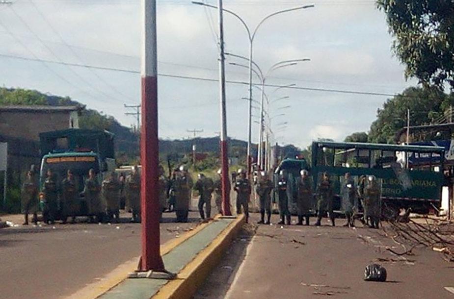 Venesuelos kariai prie Puerto Ajakučo kalėjimo