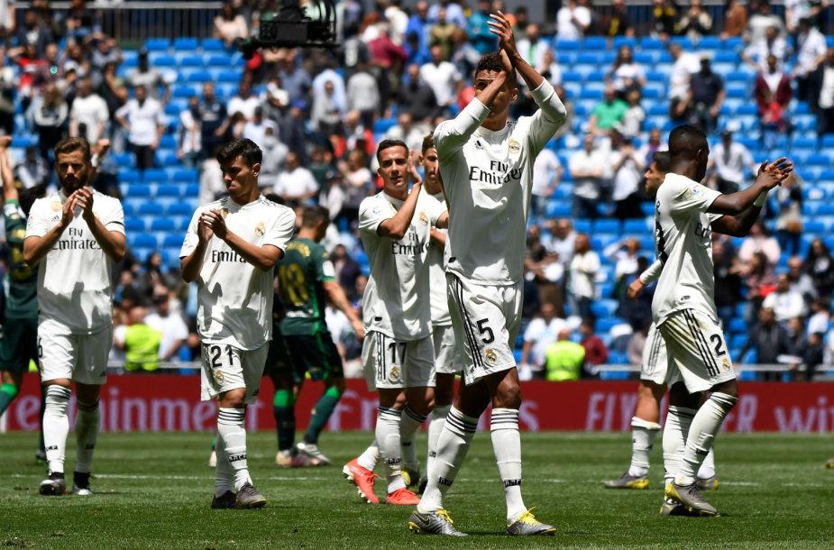 """Madrido """"Real"""" nesėkmingą sezoną baigė dar vienu pralaimėjimu."""