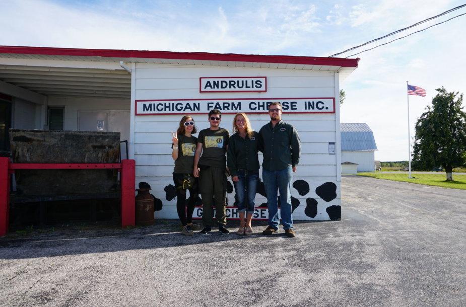 Andrulio sūrinė Kasteryje, Mičigano valstijoje (Aistė ir Augustinas Žemaičiai, Shanon Andrulis ir jos sūnus, taip pat Andrulis)