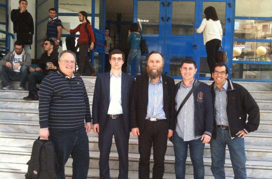 Nikosas Kodziasas (kairėje) ir A.Duginas (viduryje)