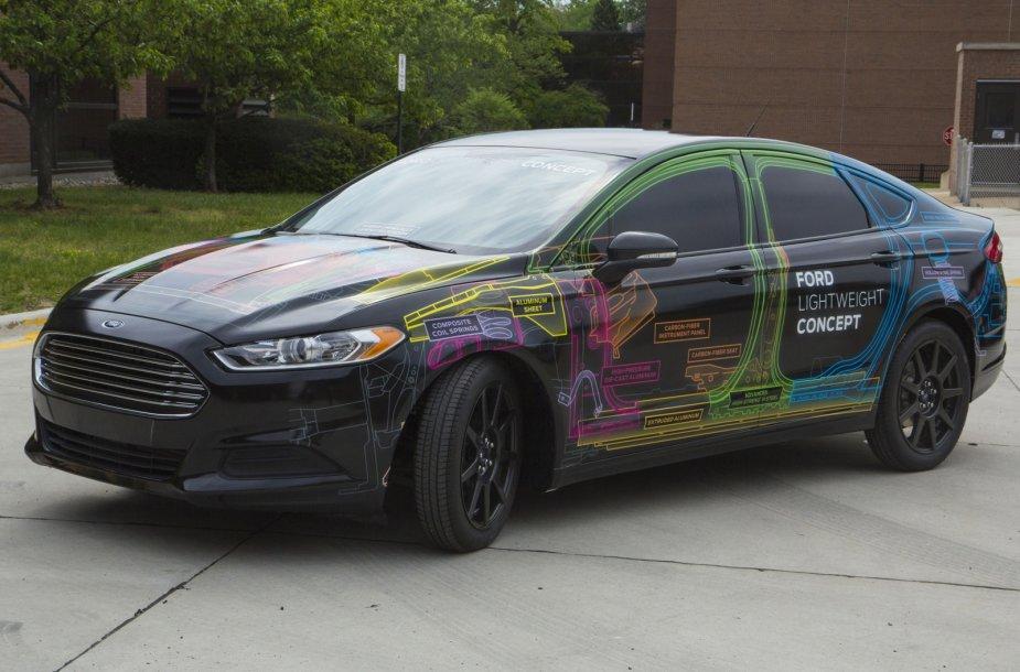 """Lengvas """"Ford Fusion"""" konceptas"""