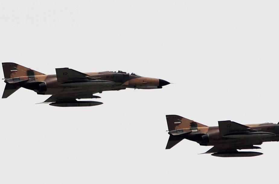 """Naikintuvai """"F – 4 Phantom"""""""