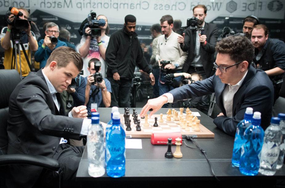 Pirma partija: Magnusas Carlsenas – Fabiano Caruana