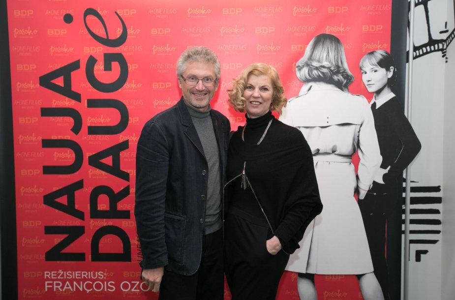 Nijolė Narmontaitė su vyru Pauliumi Kovu