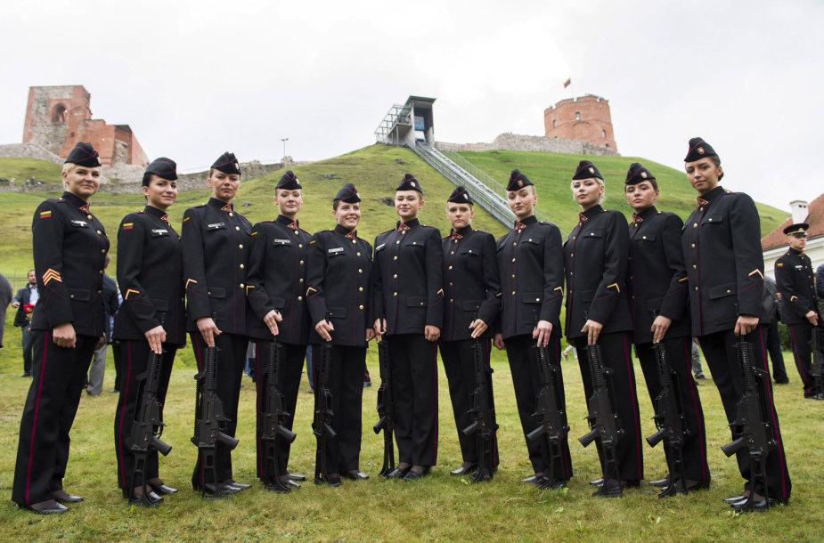 Karo akademijos kariūnai prisiekė tarnauti Lietuvos valstybei