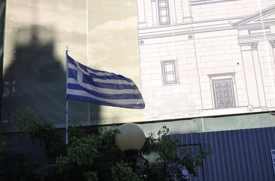 Krizė graikiškai: paskutiniai eurai – paskutinei vakarienei, o ne skolai