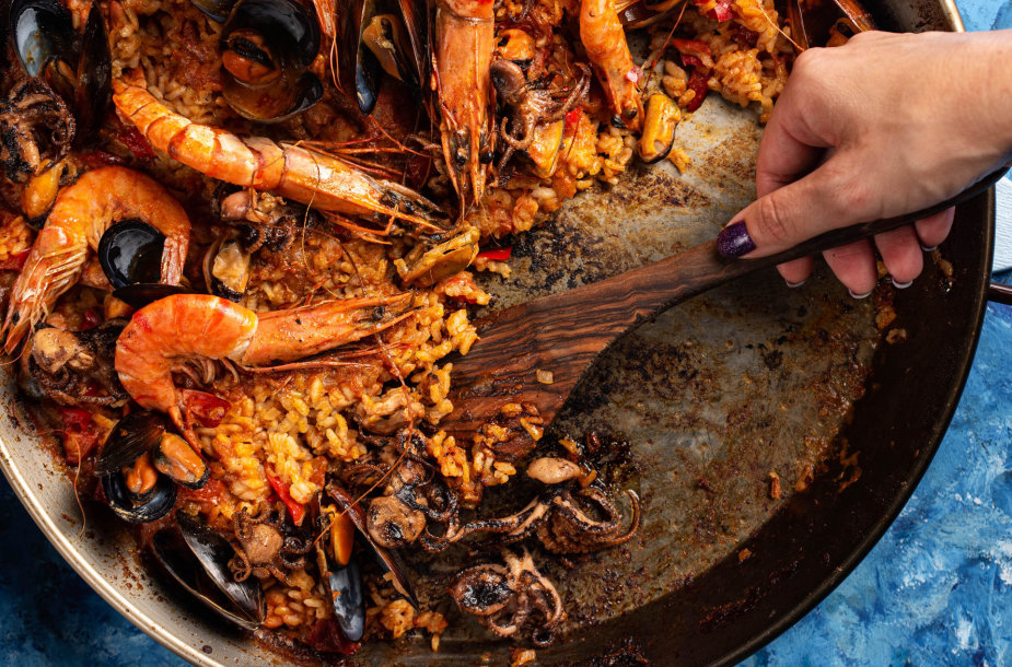 """""""Paella"""" su jūros gėrybėmis ir vištiena"""
