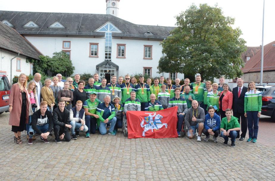 Lietuvos parolimpiečius sveikino Vokietijos lietuviai