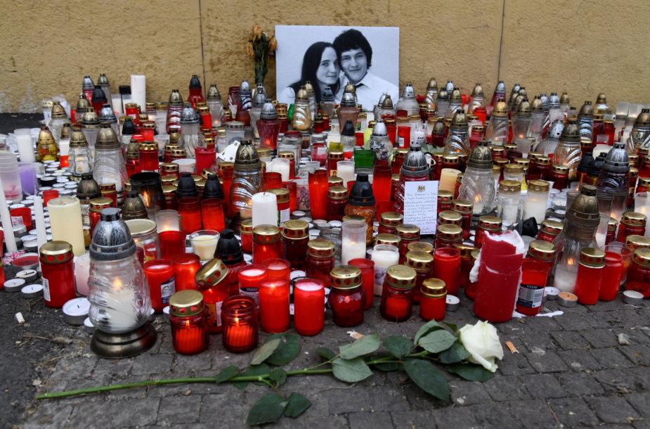 Pagerbiamas nužudytas slovakų žurnalistas Janas Kuciakas ir jo sužadėtinė
