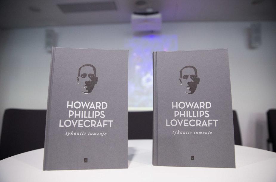 """H.P. Lovecrafto kūrybos rinktinės """"Tykantis tamsoje"""" pristatymas"""