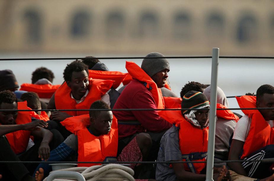 Maltos kariškių išgelbėti migrantai