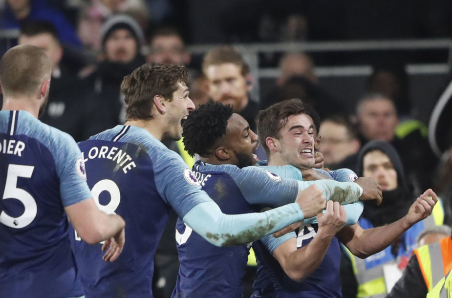 """Harry Winksas išplėšė """"Tottenham"""" ekipai pergalę"""