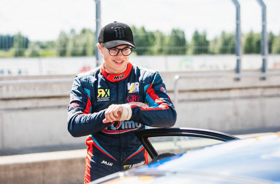 """Rokas Baciuška dalyvavo """"Porsche"""" testuose"""
