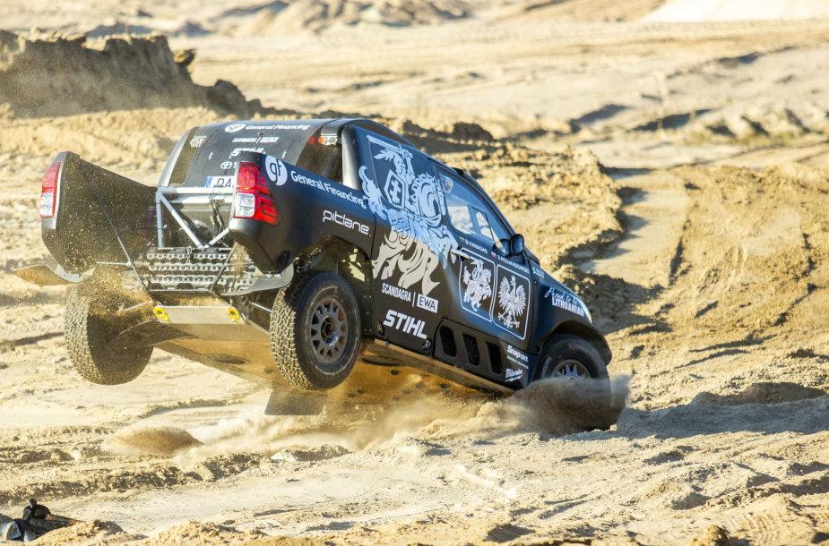 Benediktas Vanagas žvyro karjere demonstravo savo Dakaro bolido galimybes